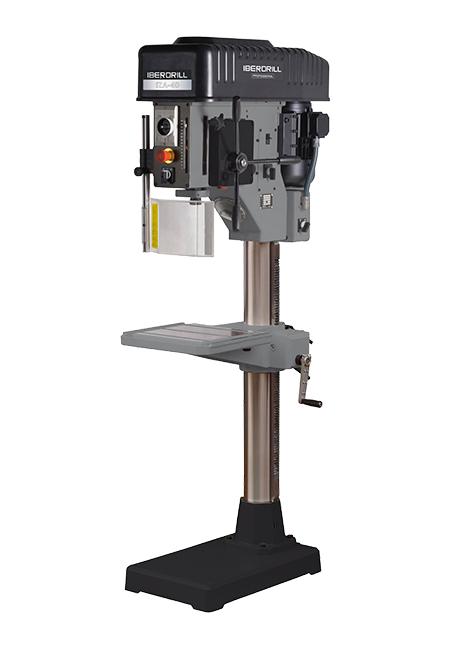 Taladro y roscadora de columna redonda con avance automático y transmisión mecánica por variador de poleas cónicas Iberdrill Professional IZA 40 fabricado por el Grupo Erlo