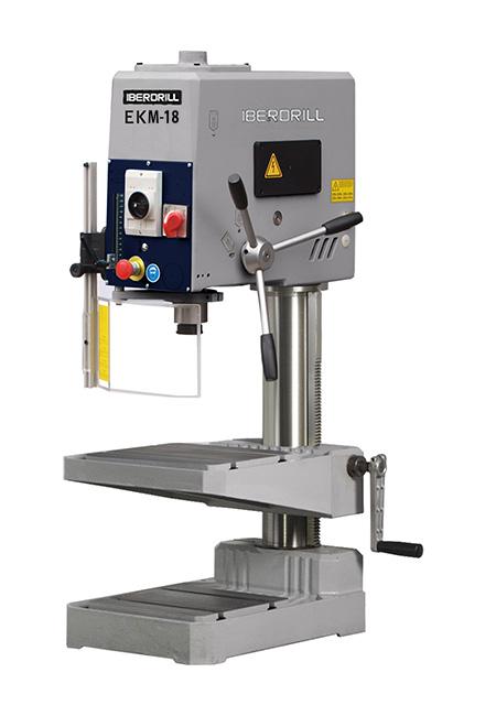 Taladro roscador con avance manual y transmisión por correas Serie EKS fabricado por Iberdrill, capacidad de taladrado de 18 mm