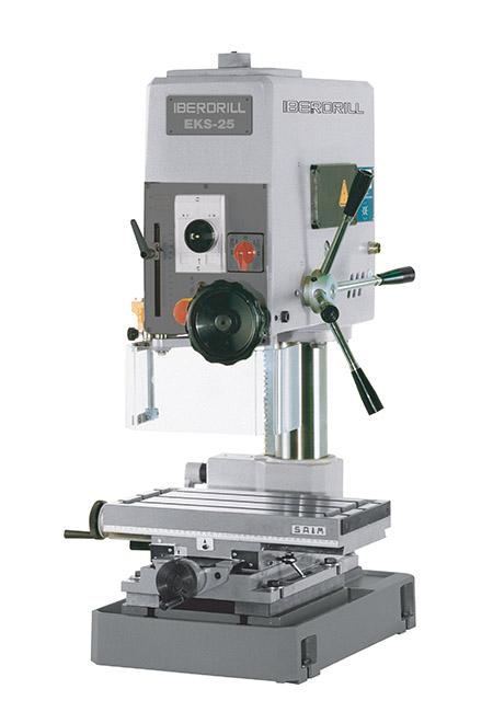 Taladro roscador con avance manual y transmisión por correas Serie EKS fabricado por Iberdrill, capacidad de taladrado de 25 mm