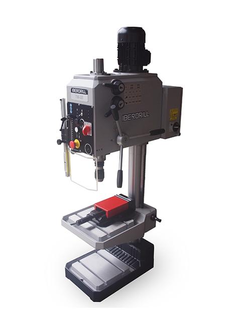 Taladro roscador con avance manual y transmisión por engranes Serie TM 25 fabricado por Iberdrill, con 25 mm de capacidad de taladrado